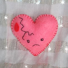 Broken Heart by Lunabee (Flickr)