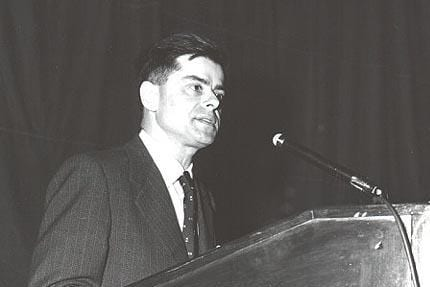 Morris addressing the 1954 World Conference of Cardiology in Washington DC © The Telegraph