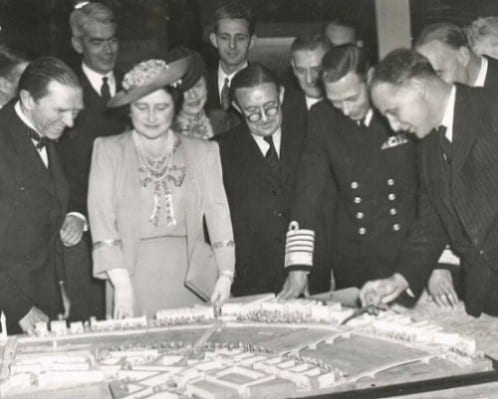 King George VI, Queen Elizabeth and an assortment of postwar planners at the County of London Plan exhibit. University of Liverpool archive [D113/3/3/40].