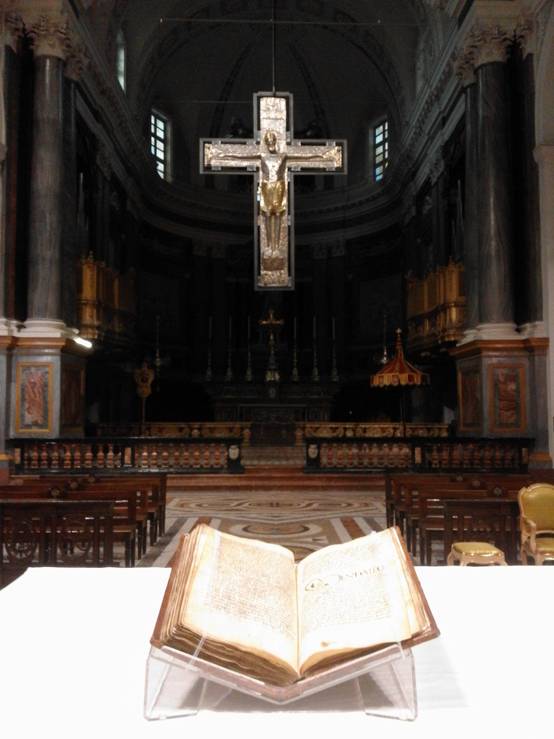 The  Vercelli Book and Vercelli Cross