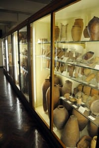 Predynastic pottery in gallery of Petrie Museum
