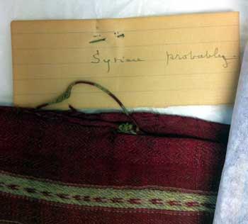 Ambiguous textilel label