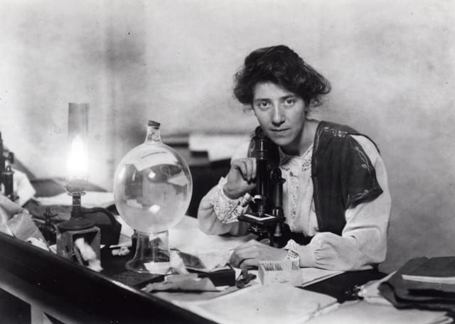 Marie Stopes in her laboratory 1904 © Marie Stopes International Australia