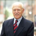 Dr Manuel Carballo