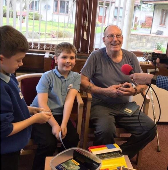 Newtongrange pupils visit St Anne's Sheltered Housing