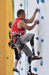 Para climber image