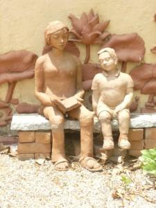 terracotta sculpture at the Valley School near Bangalore. A shared expertise here perhaps?
