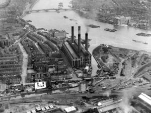 Aerial view of Lots Road Power Station and district of World's End, Chelsea in 1921