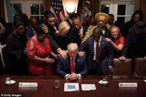 Photo of Trump and religious leaders