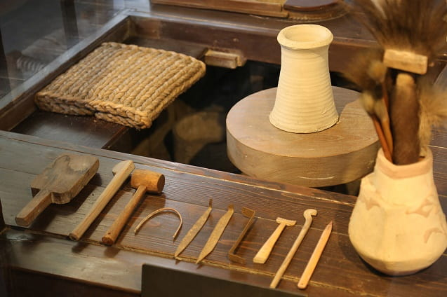 Authoritative asian pottery tools