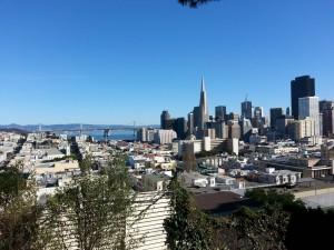 San Francisco Financial District og Bay Bridge.