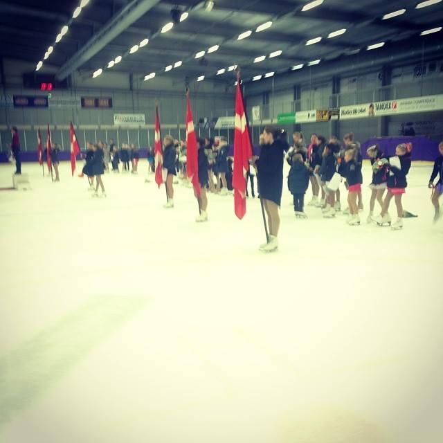 Ikke alle skøjteklubber i Dansk Skøjte Union oplever fremgang, men i Gentofte Kunstskøjteløber Forening og Tårnby Skøjteklub gør man. Her ses deltagerne ved DM i Herlev.