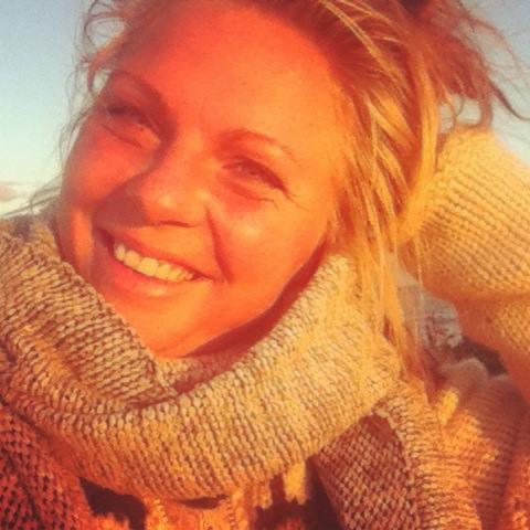 Mikkeline Kierkgaards karriere fik en brat afslutning, da hun knaldede hovedet ned i isen og pådrog sig et kraniebrud (Foto: Facebook).