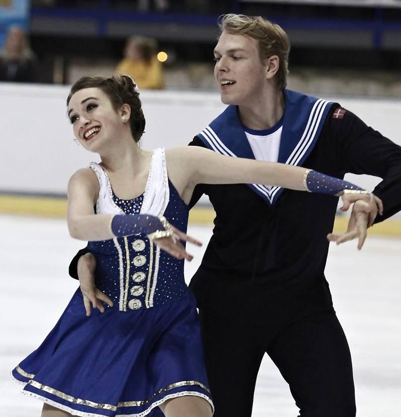 Sarah Vadskjaer-Grapek og Malcolm Jones stiler efter at danse sæsonens bedste dans ved de kommende junior-verdensmesterskaber (Foto: Facebook)