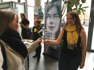 """""""Amnesty International er ikke bare for mig eller for resultatet af de underskriftsindsamlinger vi laver, det er for personerne i organisationen og de ting de lærer, og det fællesskab, de får ud af at være med."""""""