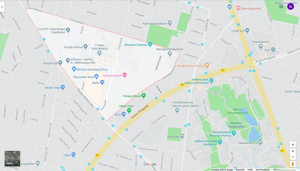 Det lysegrå område er IT-byen Katrinebjerg. Her sidder blandt andet inkubator- og udviklingshuset INCUBA, der huser mere end 120 it-virksomheder, og Aarhus Universitets datalogistudier og IT/elektronik-orienterede ingeniørlinjer holder også til her.
