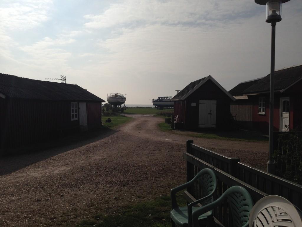 Udsigten fra Jørgen Nielsens fiskerhytte, der snart vil blive blokeret af både.