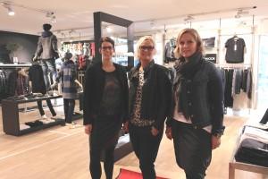 Byens modepoliti, fra venstre: Tanja Midtgård, Butiksindehaver Tina Sørensen og Tina Krabbe. Foto: Sofie Secher Karlsen