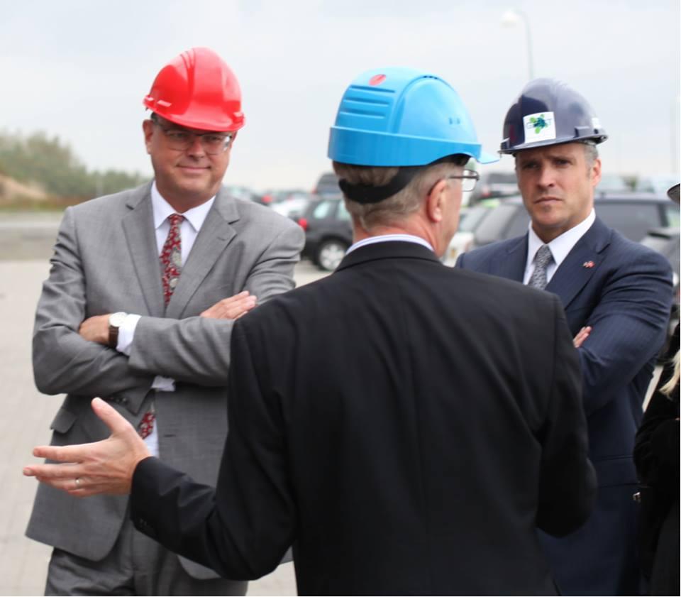Mogens Jensen og Rufus Gifford har i løbet af de sidste dage været på besøg hos en række højskoler og virksomheder i Jylland. Grundfos, Arla og Silkeborg Højskole har haft besøg af de to politikere.