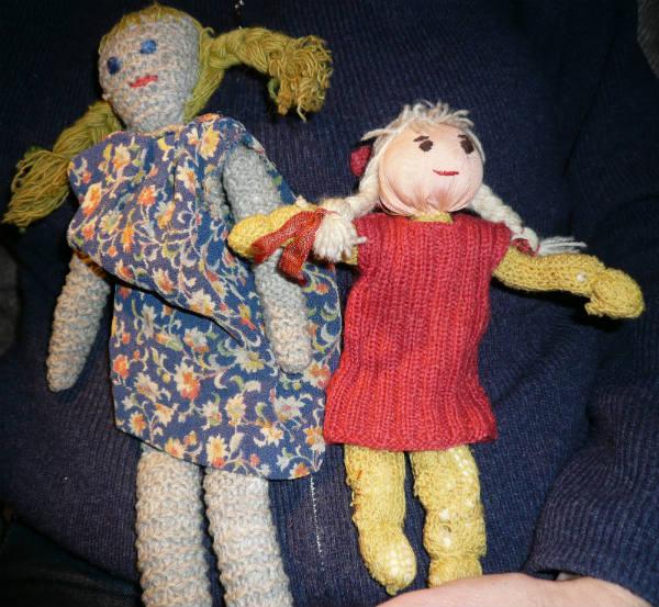 Dukke og nisse strikket af Nella
