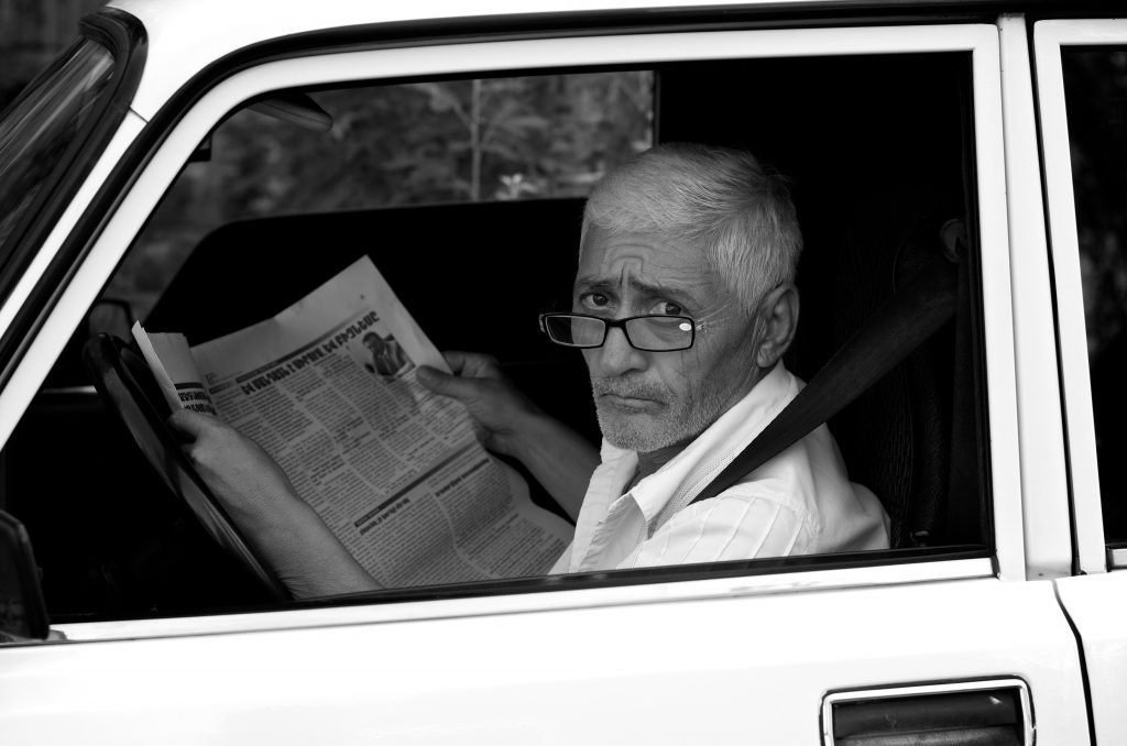 People are more and more skeptical towards newspapers they read CC BY Thomas Leuthard (Flickr)